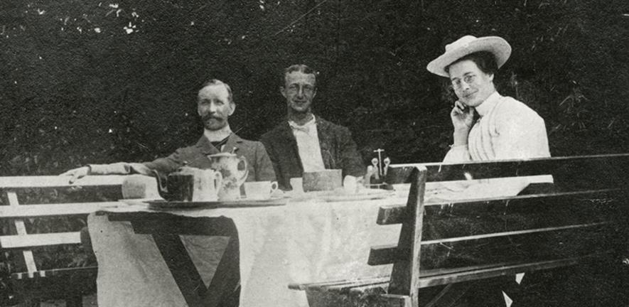 Breakfast at Baitsbite, c1900